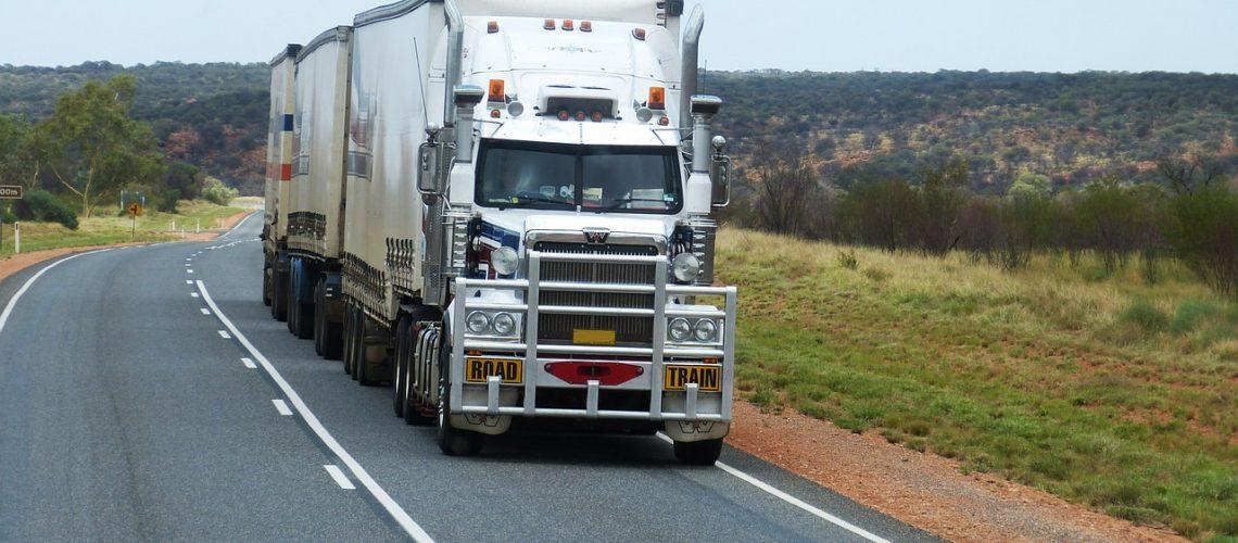 semi-trailers-534577_1280